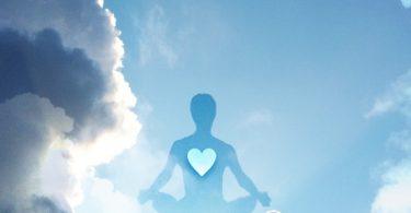 Mitten ins Herz - tantrische Meditation für Verstandesmenschen