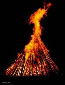 Osho Zitat übers Loslassen – sich verbrennen lassen