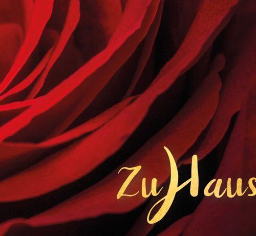 Meditative Grußkarte / Postkarte 'Zuhause, im Leben' – rote Rose